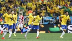 Brasile 3 Croazia 1. Show del duo comico Neymar-Nishimura. Cerimonia d'apertura banale e scontro con i black bloc