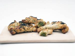 Cornetti al pesto, il finger food facile facile