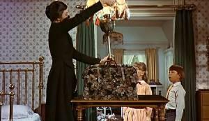 ea83e74f05 Questo è ciò che puoi aspettarti dalle donne, sapendo cosa portano nella  borsa